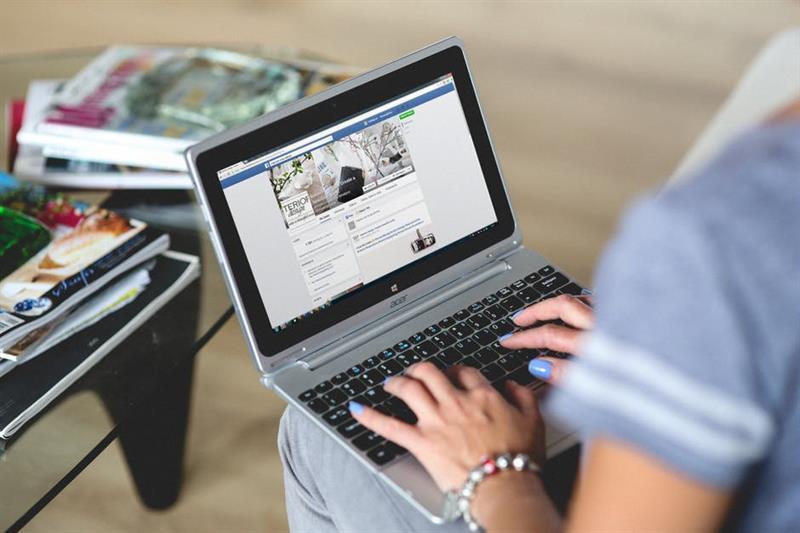 5 Facebook-poszt, amitől a fejem a falba verem (Felidéző)