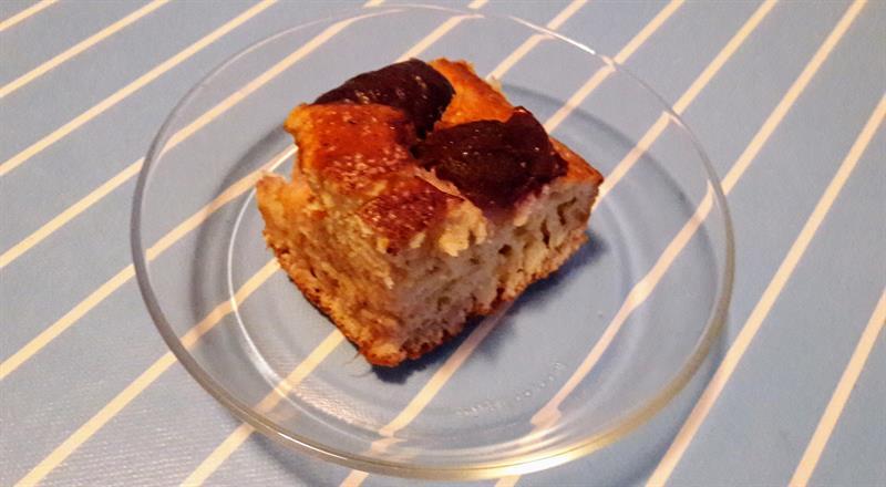 A világ legegyszerűbb sütije: pihepuha szilvás lepény