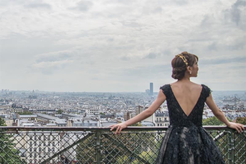 Alapdarabok egy francia nő ruhatárából