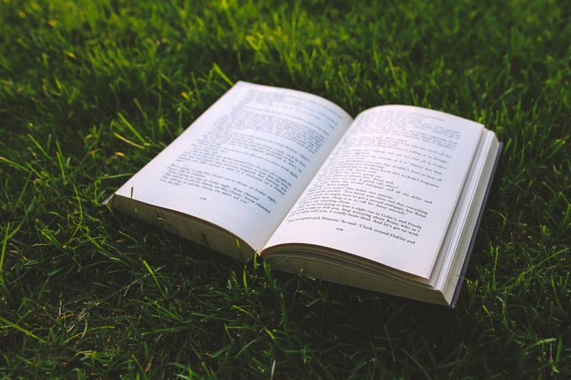 Az este verse - József Attila: A boldogság nyitott könyv, tessék, olvassák