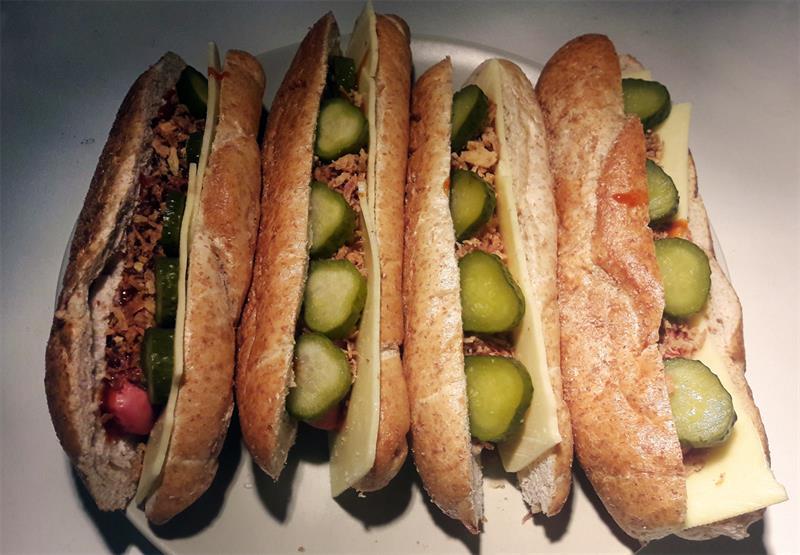 Egy falat Amerika: hot-dog gazdagon
