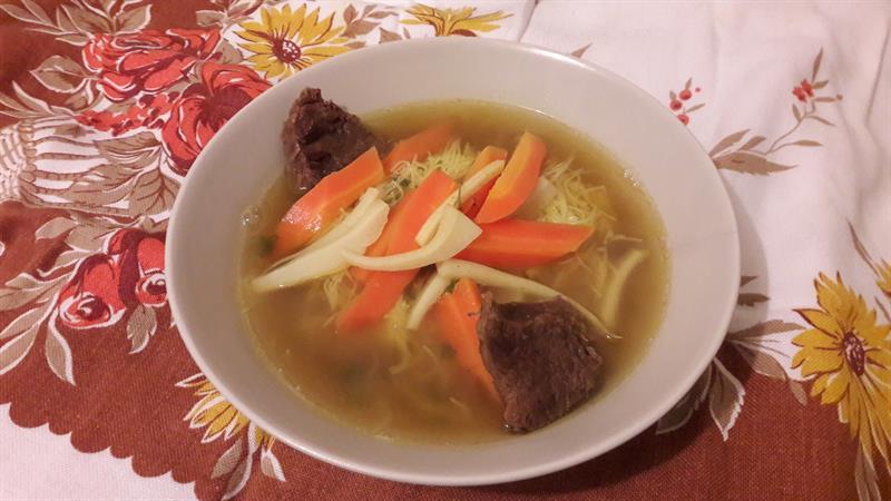 Igazi lélekmelegítő: aranyszínű, ízletes marhahúsleves