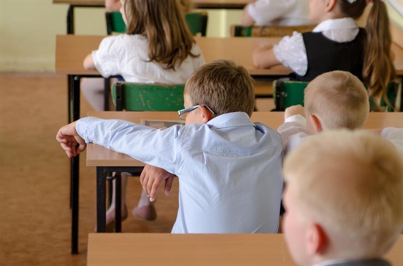 Kiszolgáltatott gyerekek - nem túlélni, megélni kellene a napokat! (Felidéző)