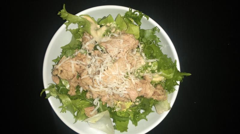 Vitamindús, tápláló, isteni finom tonhalsaláta (Felidéző)