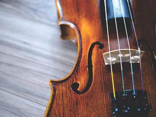 Az este verse - Juhász Gyula: Egy hangszer voltam…