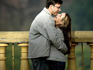 Az ölelés biztosítja a hűséget, és még a magas vérnyomást is csökkenti