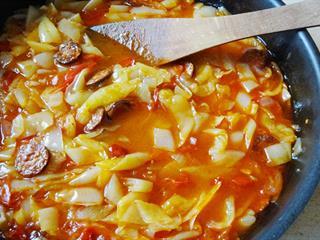 Bár nem ősi magyar étel, azért büszkék vagyunk a lecsóra!