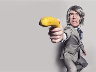 """Egy ártatlan cikk margójára: a """"kenyeret és cirkuszt"""" népe kicsinál(na), ha őszinte vagy!"""