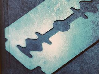 Éles tárgyak - dermesztő nyerseség, családi titkok