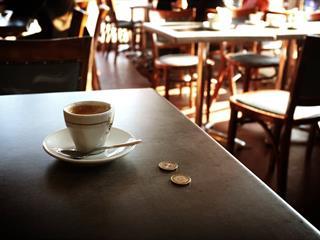 Fizettél már verssel a kávédért?
