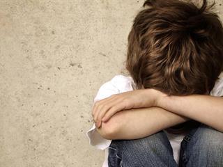 Sokkoló! Újabb kisgyerek vált az iskolai erőszak áldozatává