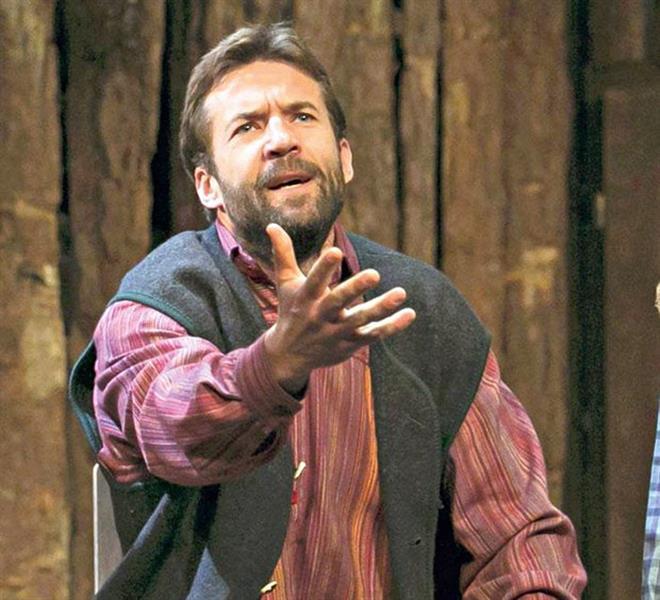 Szarvas Attila a színházban (forrás: MTI/Mohai Balázs)